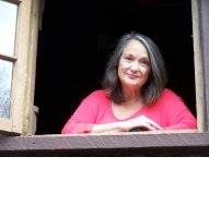 Photo of author Anne Shelby